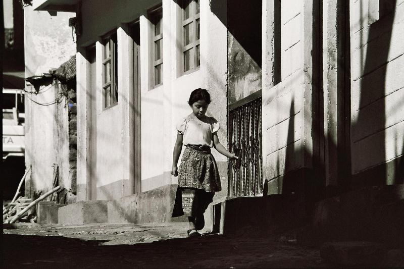 Mädchen beim Lago de Atitlan Guatemala