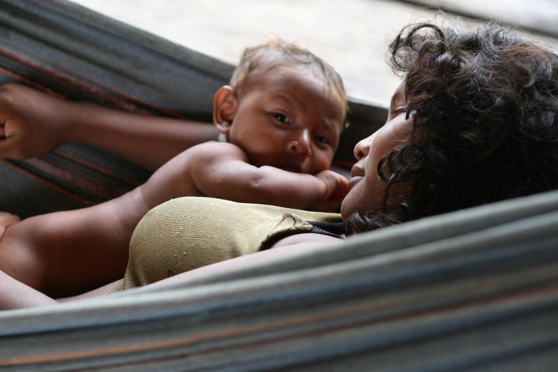 Maku Indianerin mit Baby