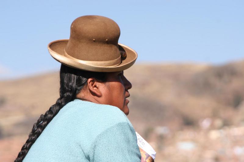 Portraet Frau am Titicacasee Peru