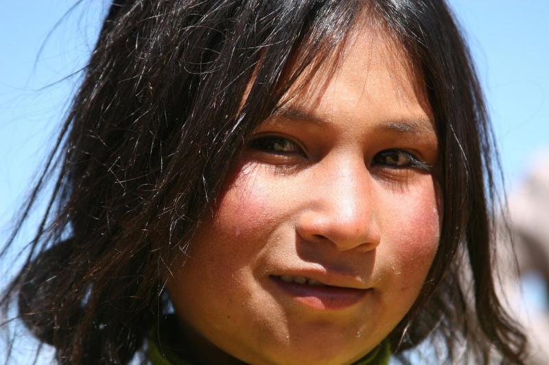 Mädchen beim Titicacasee Peru